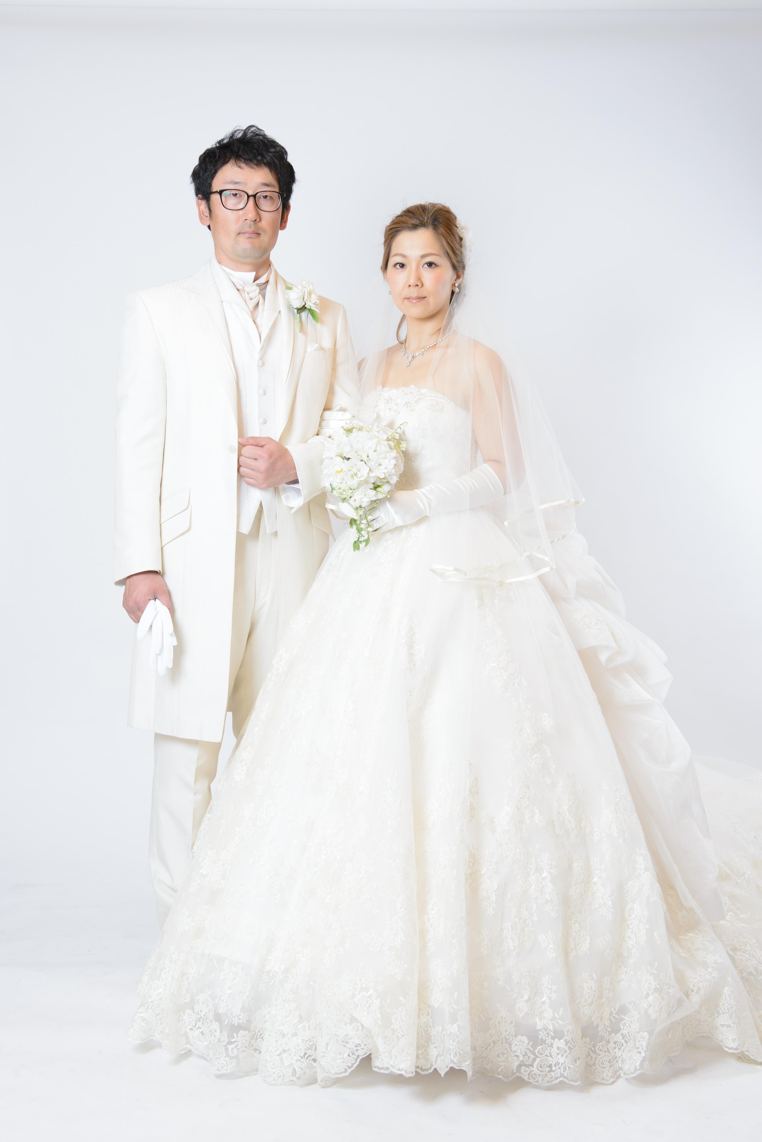 9fc49286ca00f 3.スタジオ写真、スタジオスナップ写真、前撮り記念写真説明 4.ロケーション&スタジオの解説 5.結婚式当日、おいかけスナップ撮影